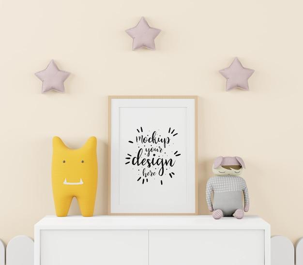 Marco de póster en maqueta de psd de dormitorio infantil
