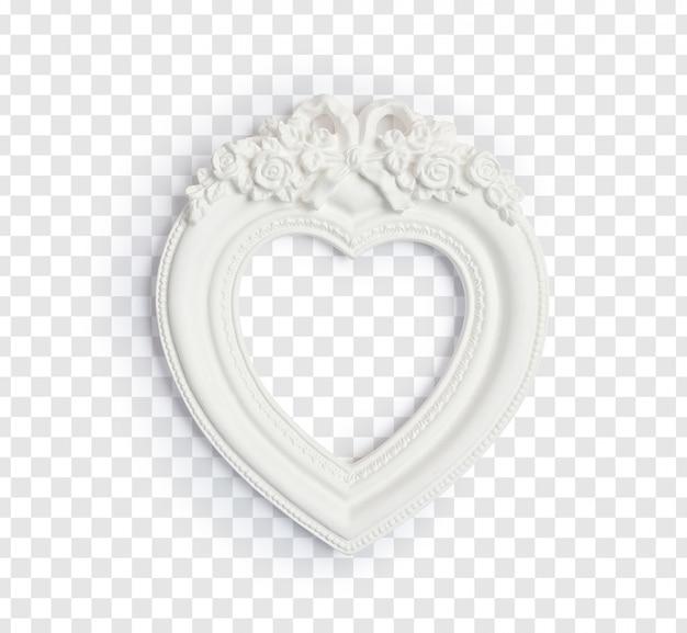 Marco vintage blanco en forma de corazón para fotos aisladas sobre un fondo blanco