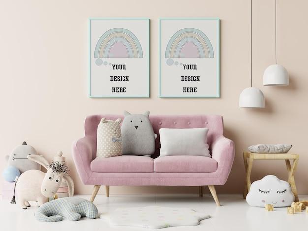 Marcos de maqueta modernos y de diseño en el interior de la habitación del niño en la pared blanca vacía, renderizado 3d