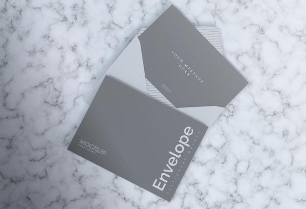 Marmeren envelop grijze mockup