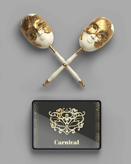 Máscaras en bastones y maqueta de tableta digital
