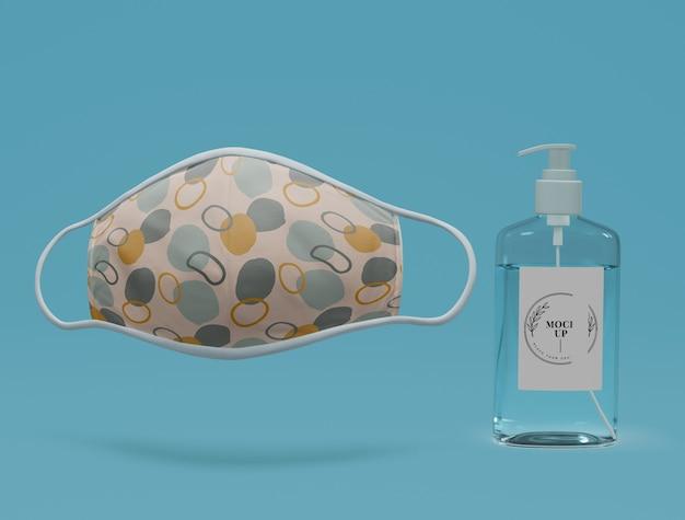 Mascarilla y desinfectante para manos hechos a mano con maqueta