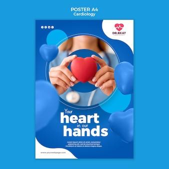 Médico sosteniendo un corazón de juguete en la plantilla de póster de manos