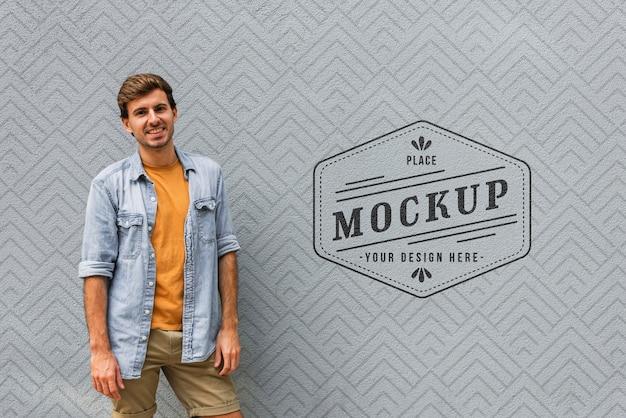 Medium shot man poseren mock-up