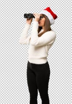 Meisje met het vieren van de kerstvakantie en kijken