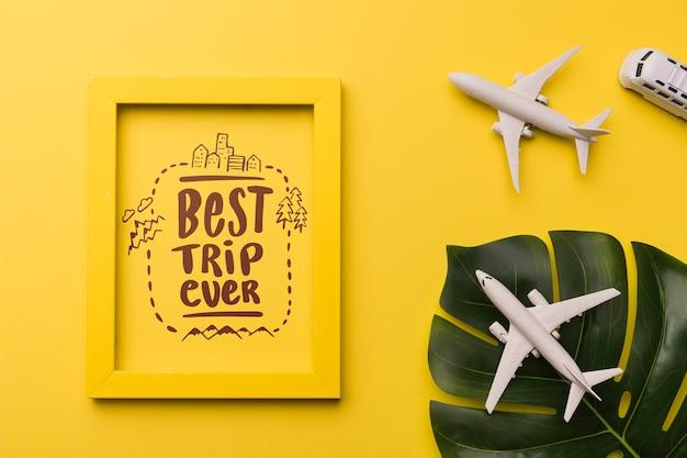 El mejor viaje de todos, frase o lettering con elementos relacionados con viajar