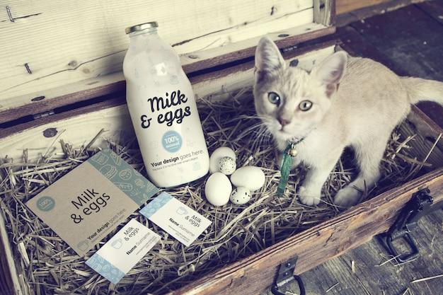 Melk en eieren in houten kist mockup