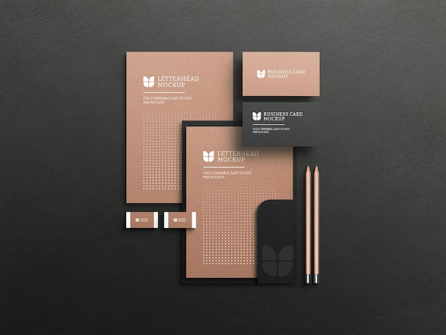 Membrete de papel kraft con maqueta de tarjeta de visita