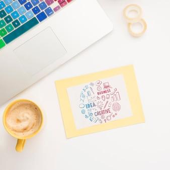 Mensaje motivacional en notas adhesivas