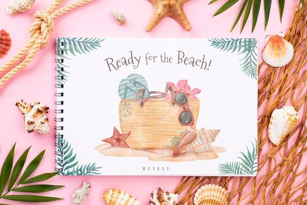 Mensaje de verano náutico en cuaderno