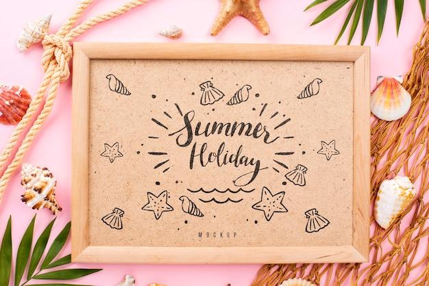 Mensaje de verano náutico en marco