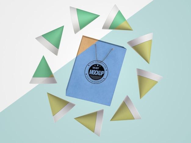 Mercancía de maqueta abstracta con bolsa de papel