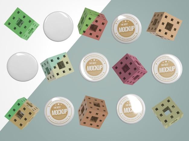 Mercancía de maqueta abstracta con insignias y cubos