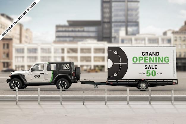 Merkauto met mobiel billboard-aanhangwagenmodel
