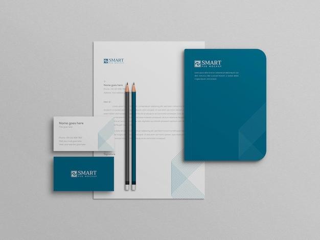 Mini wit en blauw thema briefpapier mockup