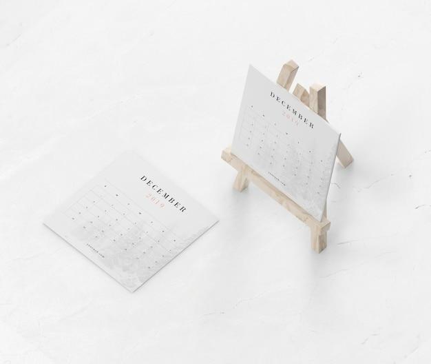 Miniatuurondersteuning voor schilderen gebruikt voor kalender