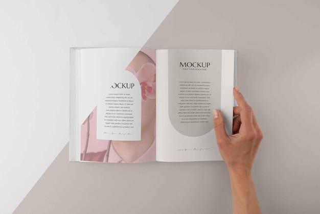 Minimaal mock-up boekenassortiment
