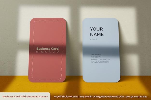 Minimalistisch custom realistisch dubbel visitekaartje mockup met schaduw overlay