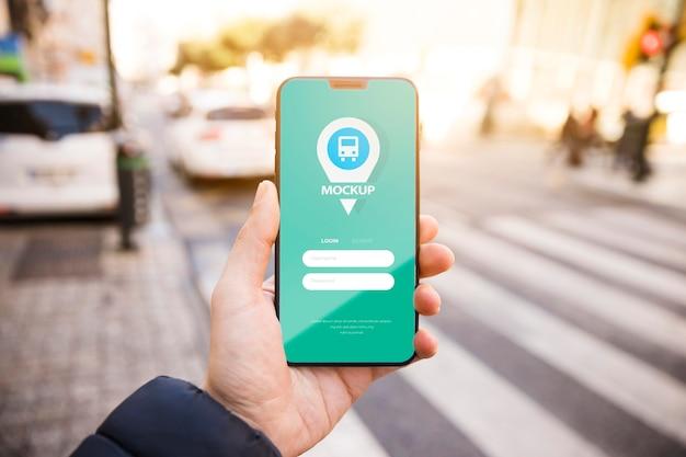 Mobiele telefoon met gps-tracker