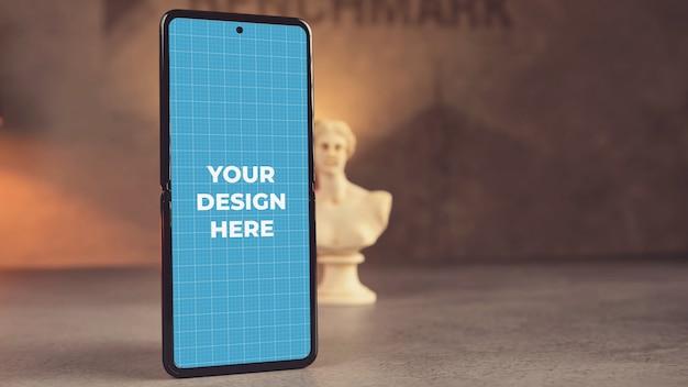 Mobiele telefoon op een tafel