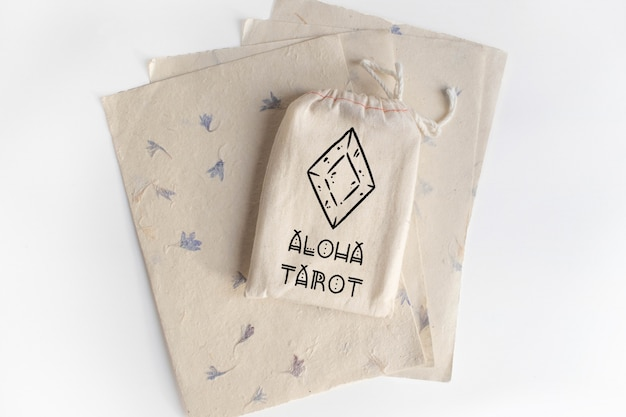 Mock up de bolsa de algodón con tarot