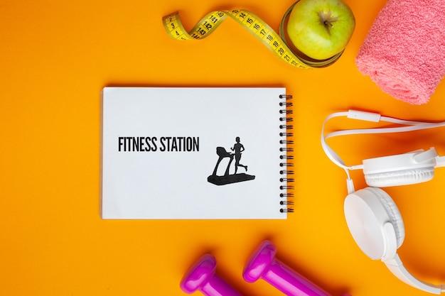 Mock-up con attrezzature per lezioni di fitness