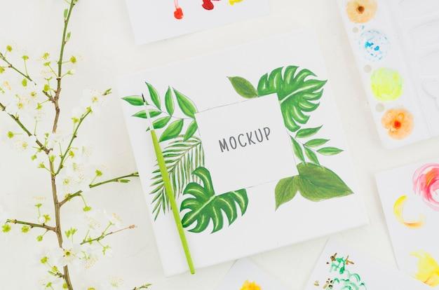 Mock-up con disegno realistico su foglio di carta