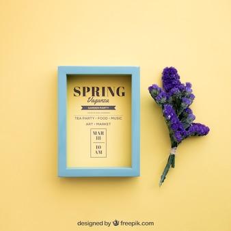 Mock up de primavera con marco y flores moradas