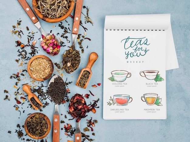 Mock-up delizioso concetto di tè aromatico