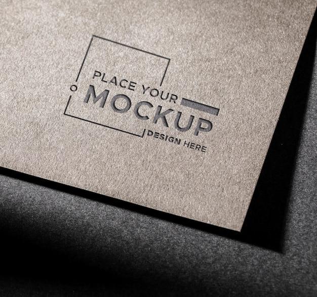 Mock-up della carta d'identità del primo piano