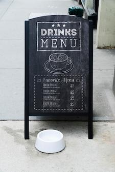 Mock-up di concetto del segno del tabellone per le affissioni