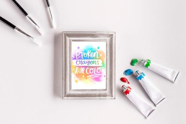 Mock-up di concetto di vernice colorata