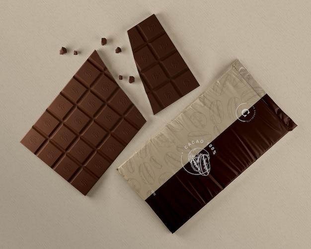 Mock-up di imballaggi in plastica al cioccolato