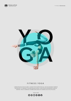 Mock-up donna in posizione yoga