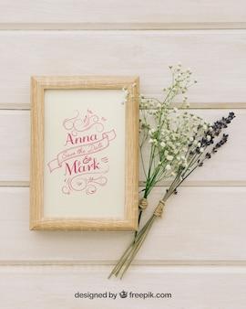 Mock up met frame en boeketten van bloemen