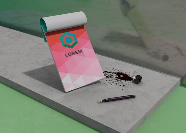 Mock-up notepad identidad papel comercial y tinta