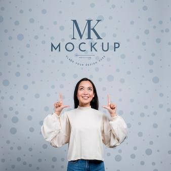 Mock-up ontwerp met gelukkig meisje