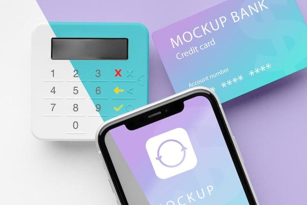 Mock-up de pago electrónico con teléfono inteligente y terminal de pago