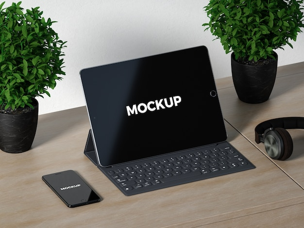 Mock up de tableta sobre escritorio de madera