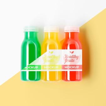Mock-up van natuurlijk geteeld fruit in flessen
