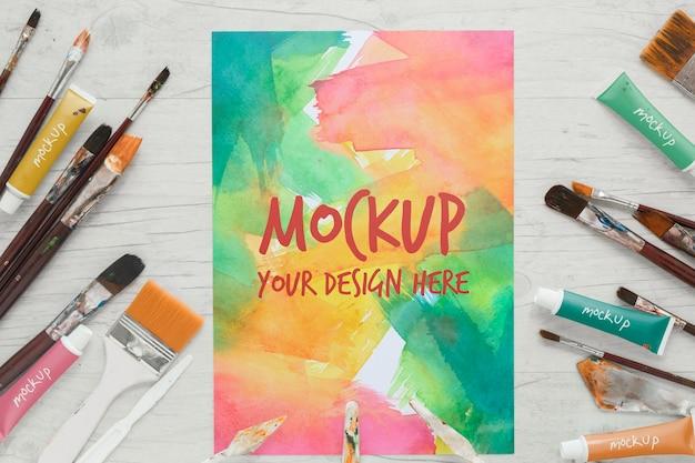 Mock-up van penselen en aquarellen schilderen