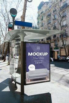 Mock-up voor straataanplakbord buiten
