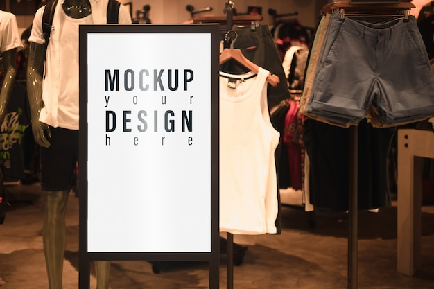 Mockup advertentie billboard lightbox voor mannenmode winkel.