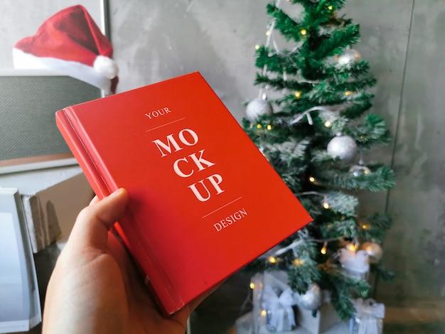 Mockup afbeelding rood boek 02