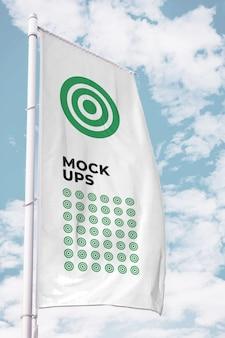 Mockup bandiera verticale