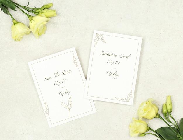 Mockup biglietti d'invito per il matrimonio