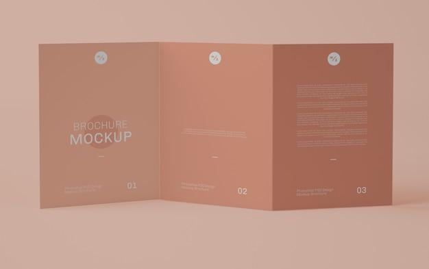 Mockup brochure frontale a tre ante