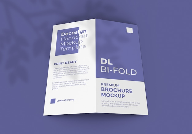 Mockup brochure pieghevole in formato dl
