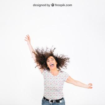 Mockup de camiseta con mujer alegre
