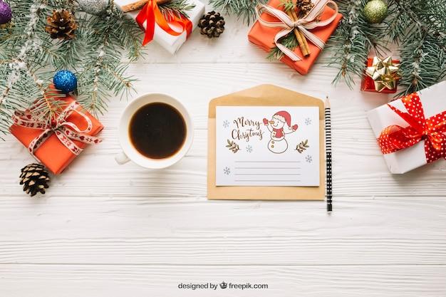 Mockup de carta creativa con diseño de navidad